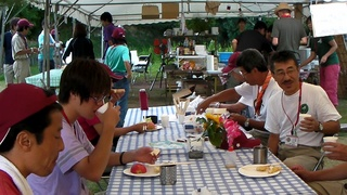 指導者の食事の風景